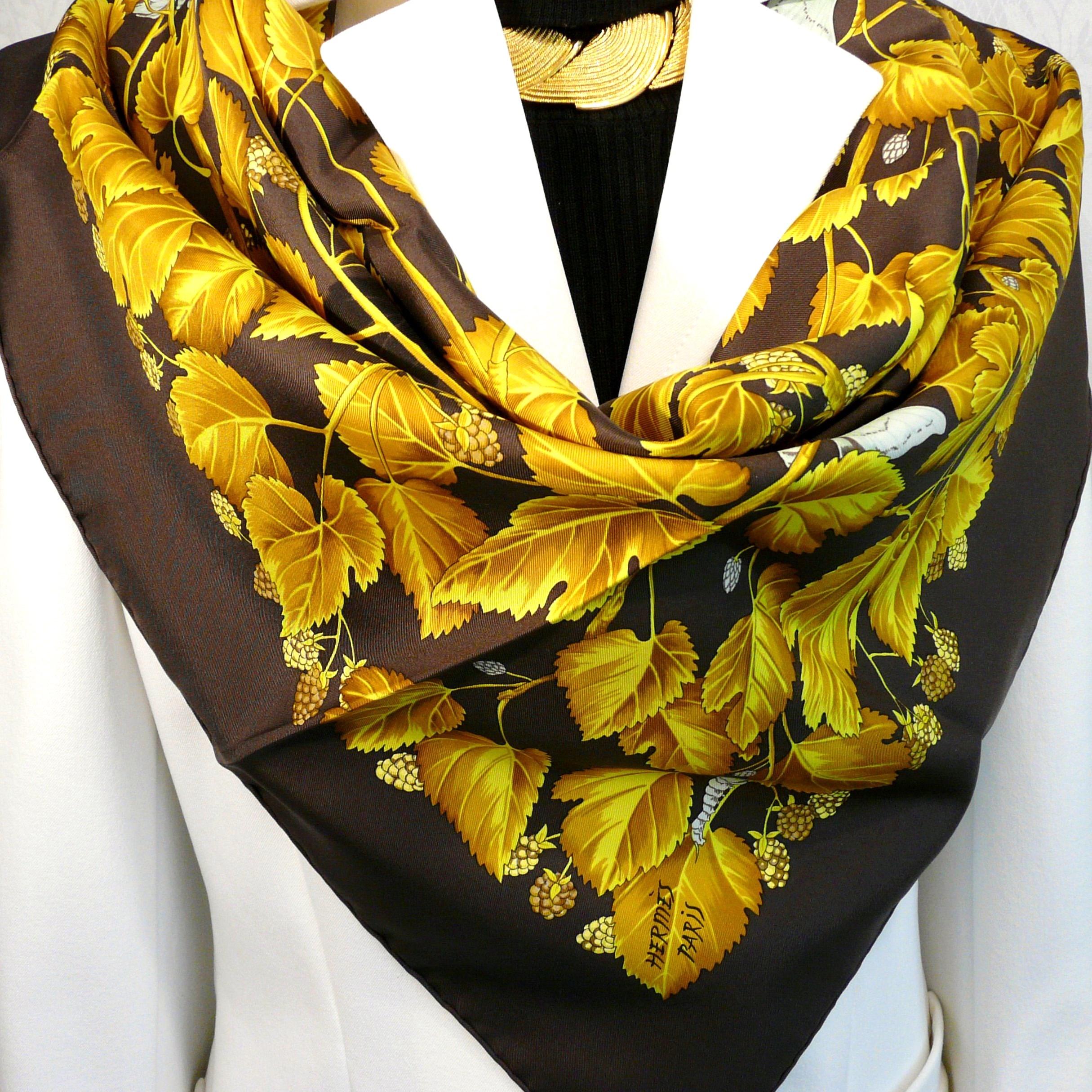 L'Arbre de Soie HERMES Silk Scarf Brown Gold