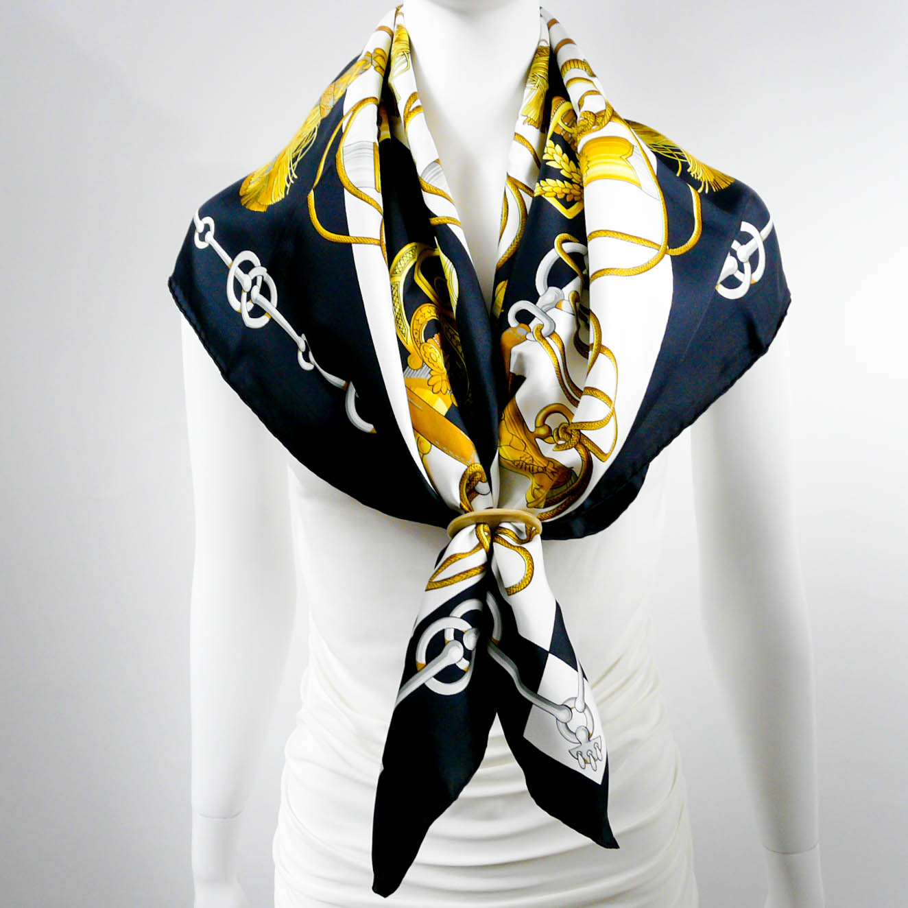 cliquetis-hermes-silk-scarf-by-cdp-4