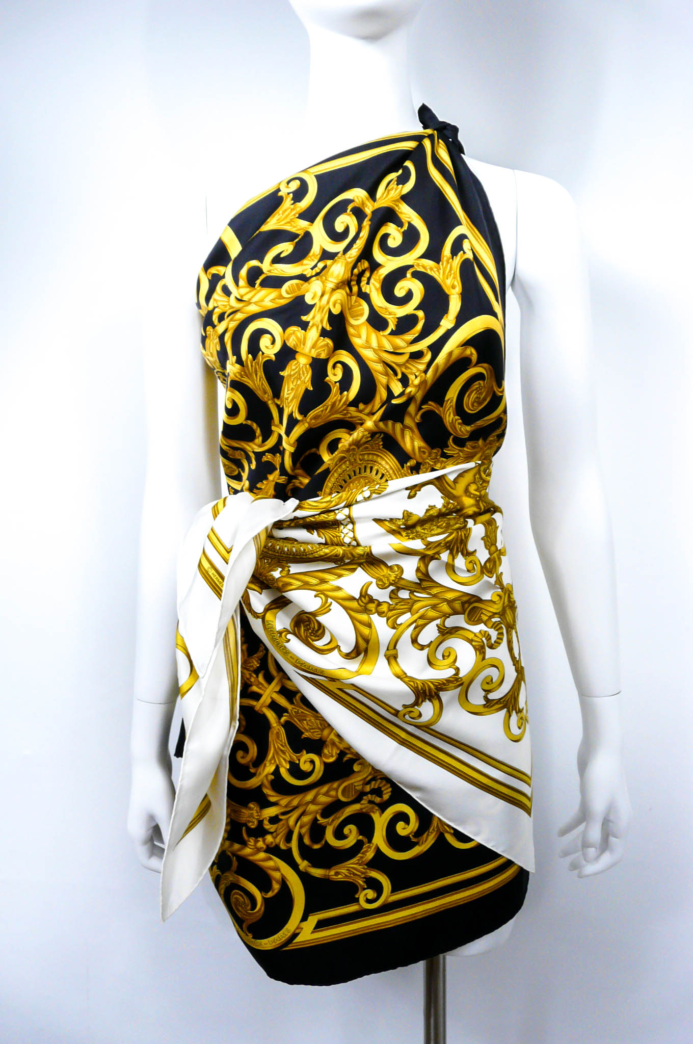 Les Tuileries HERMES Silk Scarf White UNWORN-12